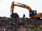 gunungan-sampah-di-tpa-cipayung_20200123_201122.jpg