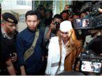 Habib Bahar Sempat Minta Izin Merokok Saat Ditangkap, Petugas: Mohon Maaf, Kita Dikejar Waktu