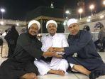 habib-rizieq-sedang-berada-di-masjidil-haram-bersama-munarman_20180227_172513.jpg
