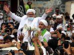 habib-rizieq-shihab-pulang-ke-indonesia_20201110_152309.jpg