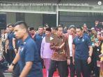 hadiri-kongres-kebudayaan-indonesia-2018-jokowi-jadi-rebutan-selfie.jpg