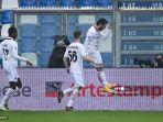 hakan-calhanoglu-saat-pertandingan-sassuolo-vs-ac-milan.jpg