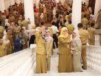 halal-bihalal-pegawai-pns-dki-dengan-gubernur-dki_20190610_135616.jpg