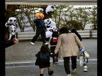 halloween-kobe-nih2.jpg