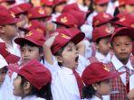 hari-pertama-masuk-sekolah-di-sdn-lengkong-kecil-bandung_20170717_190052.jpg