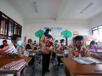 himbauan-pemakaian-masker-bagi-murid-sekolah_20200304_180739.jpg