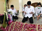 ibunda-presiden-jokowi-dimakamkan-di-solo_20200326_205742.jpg