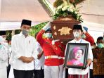 ibunda-presiden-jokowi-dimakamkan-di-solo_20200326_210537.jpg