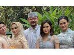iis-dahlia-di-pernikahan-rizki-dan-nadya.jpg