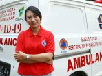 ika-dewi-maharani-sopir-ambulans-perempuan-untuk-pasien-covid-19_20200420_211105.jpg