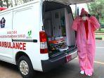 ika-dewi-maharani-sopir-ambulans-perempuan-untuk-pasien-covid-19_20200420_212326.jpg