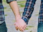 ilustrasi-gay-hubungan-sesama-jenis_20151228_131104.jpg
