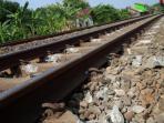 ilustrasi-jalur-rel-kereta-api_20160618_143727.jpg
