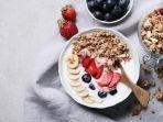 ilustrasi-oatmeal-dengan-buah-buahan.jpg