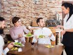 ilustrasi-pelayanan-restoran_20181012_145112.jpg