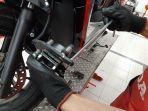 ilustrasi-pemeriksaan-kampas-rem-sepeda-motor.jpg