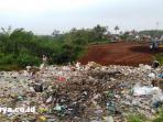 ilustrasi-pemulung-di-tempat-pembuangan-akhir-sampah_20161009_134926.jpg
