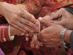 ilustrasi-pernikahan-di-india_20180322_145419.jpg