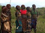 ilustrasi-suku-bodi-ethiopia.jpg