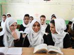 ilustrasi-taliban-segera-izinkan-anak-perempuan-afghanistan-kembali-ke-sekolah.jpg