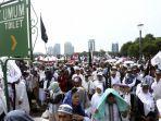 ilustrasi-umat-muslim-mengikuti-aksi-reuni-212-di-kawasan-monas-jakarta.jpg