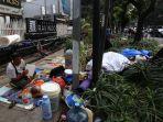 imigran-pencari-suaka-tiduran-di-jalan-kebon-sirih_20190703_195344.jpg
