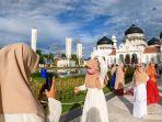 indahnya-berswafoto-di-masjid-raya-baiturrahman-banda-aceh_20200802_212638.jpg
