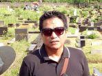 indra-lesmana-ditemui-usai-pemakaman-ibundanya_20170628_170122.jpg