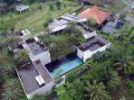 inilah-penampakan-villa-mewah-milik-buronan-kpk-yang-juga-mantan-skretaris-ma-nurhadi_20200220_232047.jpg