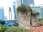 instalasi-gabion-yang-dibuat-dari-batu-bronjong-di-bundaran-h.jpg