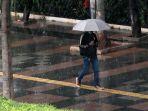 intensitas-hujan-di-ibu-kota_20211006_164759.jpg