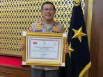 Irjen Pol Istiono Terima Penghargaan dari Men PANRB Diapresiasi Pengamat Birokrasi