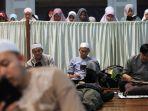 itikaf-di-masjid-habiburrahman-ptdi-bandung_20180607_172253.jpg