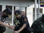 jaga-perbatasan-indonesia-timor-leste-di-oepoli-bea-cukai-dan-imigrasi-kupang-kuatkan-sinergi.jpg