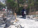 jalan-menuju-makam-putri-cempo-dan-makam-paman-sunan-giri-syekh-sayyid-abdurrahman-di-gresik-longsor.jpg