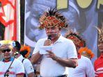 jalin-kesatuan-dan-persatuan-dalam-acara-yospan-papua_20190901_182002.jpg