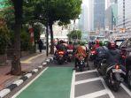 jalur-sepeda-dimasuki-pengendara-motor_20210603_214736.jpg