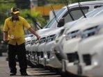 jasa-rental-mobil-semakin-berkembang_20150429_195924.jpg