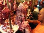 jelang-lebaran-harga-daging-sapi-naik-di-kota-bandung_20160705_154751.jpg