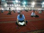 jemaah-itikaf-dan-tadarus-al-quran-di-masjid-istiqlal_20150709_111805.jpg