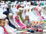 jemaah-laksanakan-sholat-idul-adha-1440-h_20190812_122946.jpg
