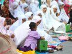 jemaah-laksanakan-sholat-idul-adha-1440-h_20190812_123042.jpg