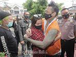 Hukuman Jerinx Dikurangi Jadi 10 Bulan Penjara. Nora Alexandra Umumkan Update Kasus Suaminya