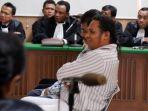john-kei-di-pengadilan-negeri-jakarta-pusat-jakarta-kamis-27122012.jpg