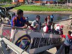Jokowi Salurkan 3.572 Paket Sembako untuk Korban Bencana NTT