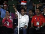jokowi-tonton-langsung-final-bulu-tangkis-asian-games-2018_20180822_211416.jpg