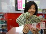 jual-beli-dollar_20150827_144657.jpg