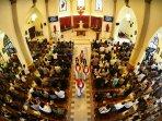 jumat-agung-di-gereja-katedral-makassar_20150403_102334.jpg