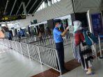 jumlah-penumpang-pesawat-menurun-akibat-pandemi-corona_20200327_211443.jpg