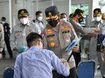 Korlantas Polri Tinjau Penerapan Protokol Kesehatan di Stasiun Gambir Jelang Libur Imlek